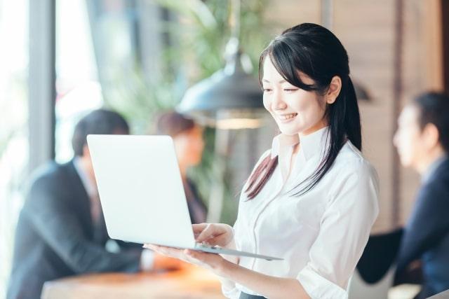 ITストラテジストの女性イメージ